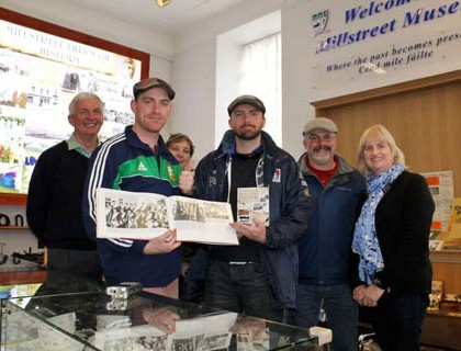 Australian Visitors with Irish Roots to Millstreet Museum on 5th May 2015 -800